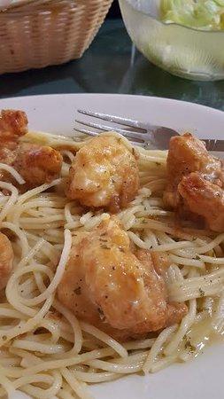 Pomona, NJ: Shrimp Francese and Spaghetti