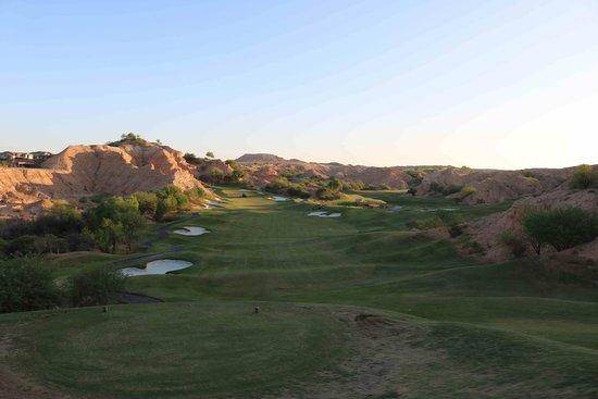 Wolf Creek Golf Club : First tee, early morning