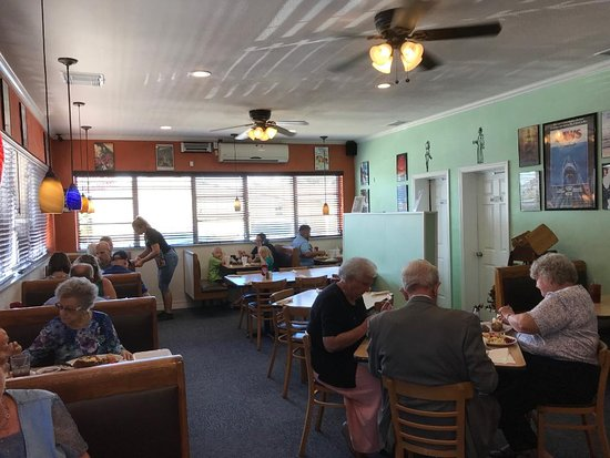 Frostproof, FL: The other side of their dining area
