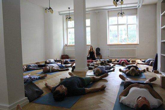 Yoga am Hottingerplatz