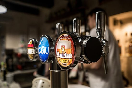 Nouic, France : Bière classique ou bière d'abbaye ?