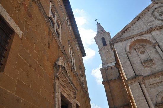 Palazzo Vescovile: facade