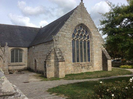 Eglise Saint Demet  en Plozevet
