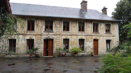 Saint-Fuscien, France: Maison