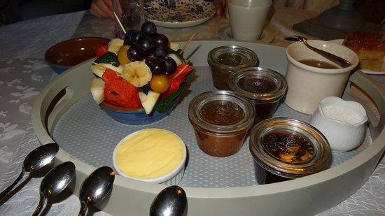 Saint-Fuscien, France: petit déjeuner