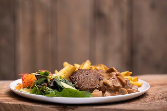 Weelde, Belgium: Steak met champignonsaus