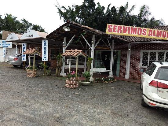 Garuva, SC: A frente do restaurante