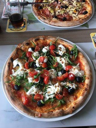 Oberwil, Switzerland: Italian Place pizza