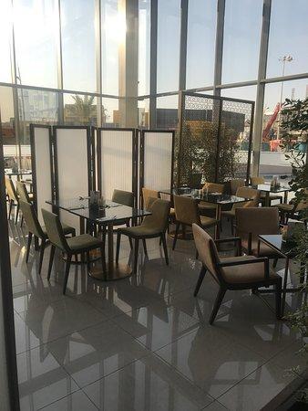 مطعم ومقهى بتيل