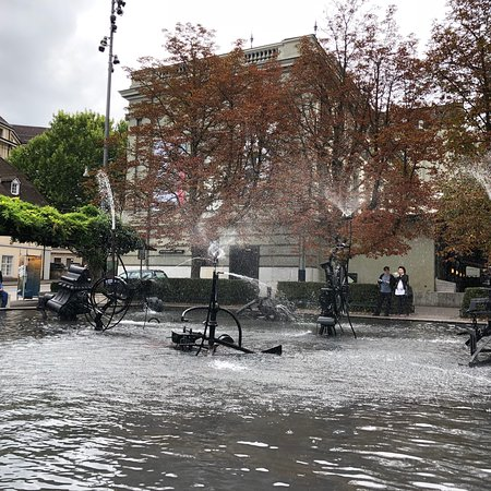 Tinguely-Brunnen: photo0.jpg