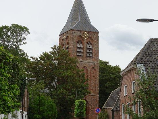 Provincia de Güeldres, Países Bajos: kerktoren Zoelmond
