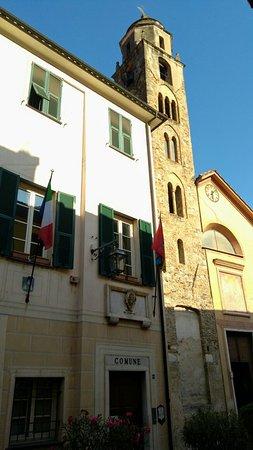 Zuccarello, Italy: Posto tranquillo di grande fascino