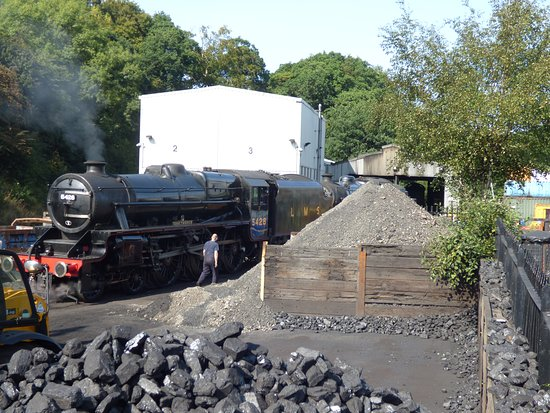 Grosmont, UK: Filling up with Coal in the Engine Sheds
