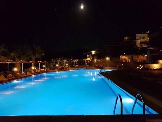 Manna, Grèce : 20180823_005431_large.jpg