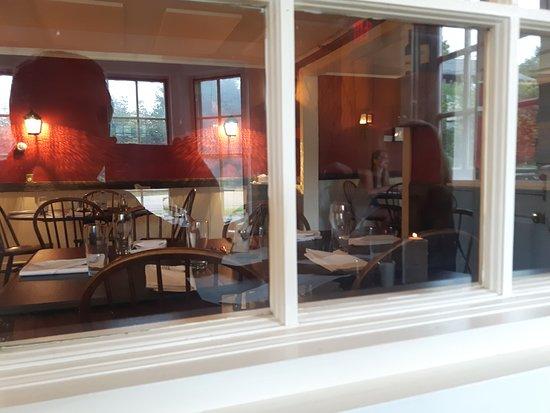 Bistro at Ten Acres: Interior