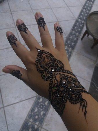Medina of Tetouan: Tatuaje de henna