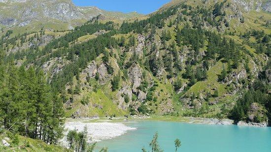 Antrona Schieranco, Италия: Lago e spiaggia