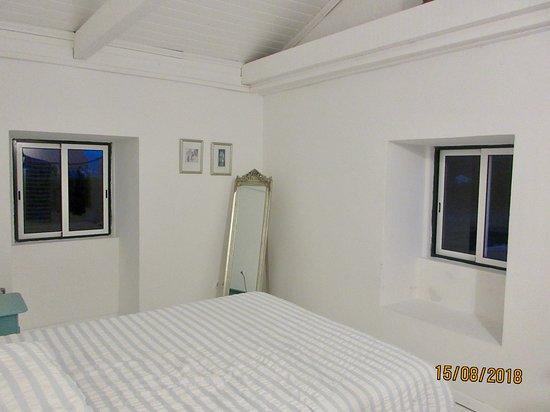 Pedro Miguel, Portugal: Rest assured.. cool bedroom
