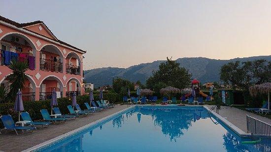 Grapevines Hotel: DSC_0059_large.jpg