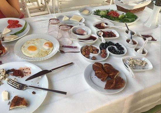 Namık Kemal, Türkiye: Serpme kahvaltı