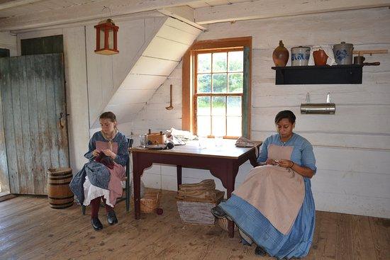 Staunton, VA: 1850s American Farm