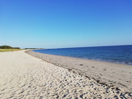 Fouesnant, France: La plage de Kerler