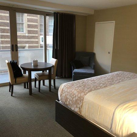 The Windsor Suites: photo6.jpg