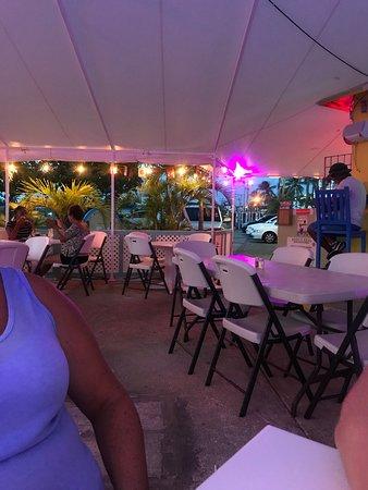 Johnny Cool Jazz & Blues Beach Bar Bild