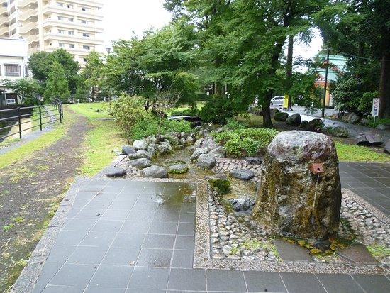 Shimbashi Seseragi Park