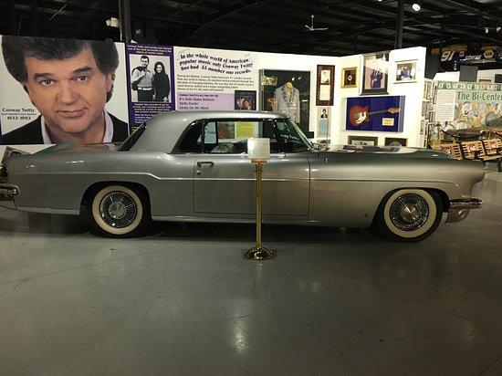 Roscoe, IL: Conway Twitty Car