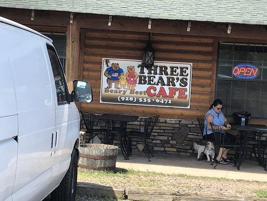 Heber, AZ: Rustic lodge feel to the Three Bears Cafe