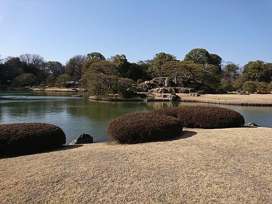Rikugien Garden: 大泉水