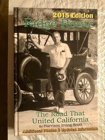 Frazier Park, Калифорния: Gift shop offers books on local area history such as the Ridge Route