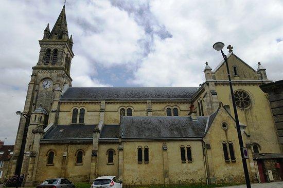 Eglise Saint-Pierre-de-Montsort