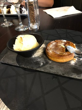 Breteuil, فرنسا: Heavenly pear tart