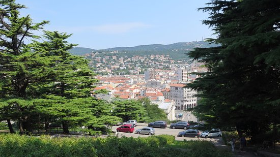 Scala dei Giganti di Trieste: Subiendo la escalera 3