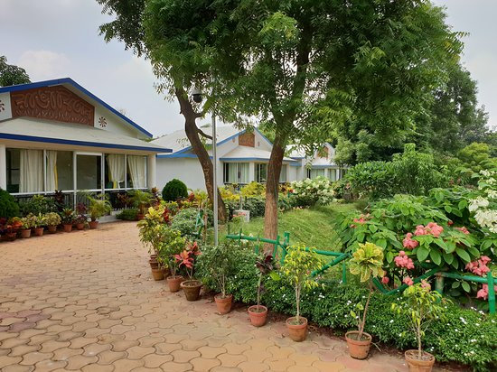 Shantiniketan, الهند: Suites - 5 are there, one is kept for the CM, as informed to us