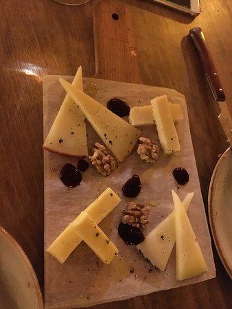 Parlament Cuina de Barri: Media tabla de quesos