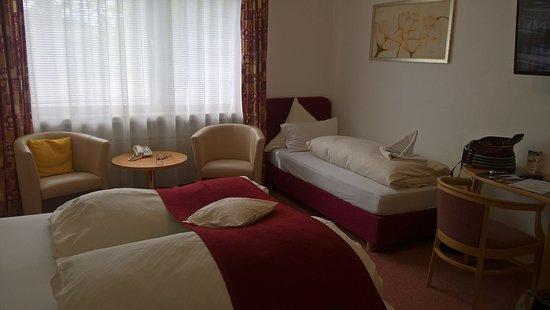 Mendig, Germany: Chambre spacieuse 3 personnes adultes