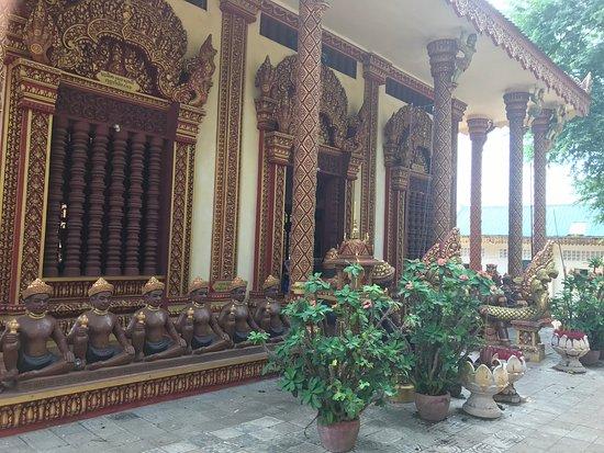 Kampong Thom, Cambodia: Central temple Phnom Santuk