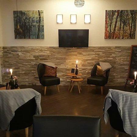 Pinoli Cafe-Restaurant