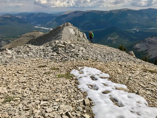 Bragg Creek, Canada: An easier route near Mt Glasgow, Sept 1, and patches of snow!