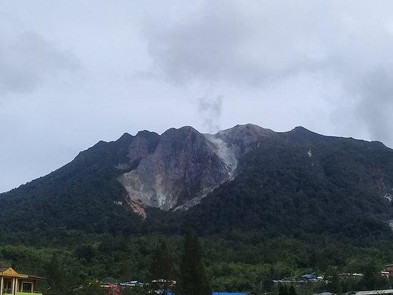 Mountain Sibayak. berastagiadventure.com
