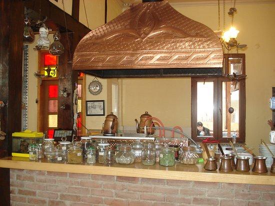 Dervisan Miskinler Kahvehanesi: Dervisan