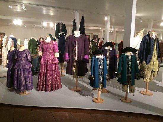 Sunne, Schweden: Kostymer ur pjäser uppsatta av Västanå teater.