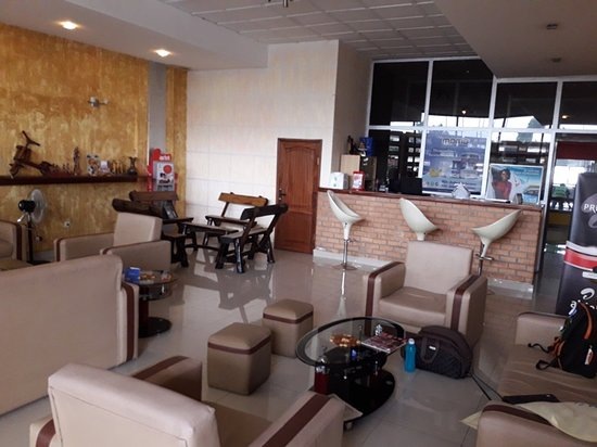 Kinshasa, Den demokratiske republikken Kongo: Jeffery Salon Goma Airport - interior