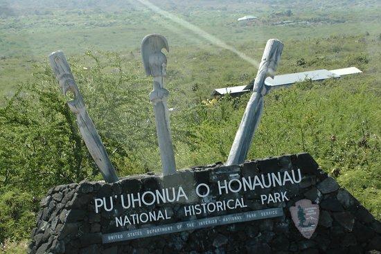 Honaunau, Hawái: Sign at the park entrance road
