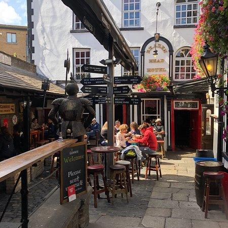 Brazenhead Pub: photo1.jpg