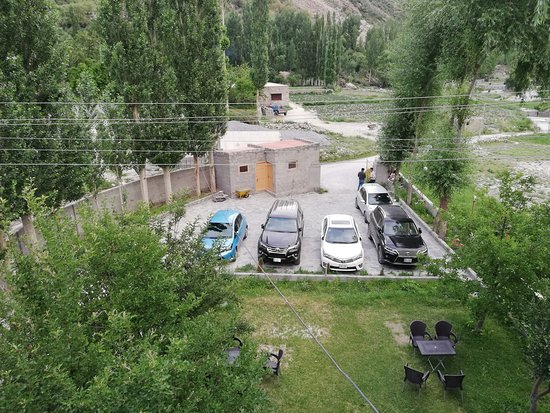 Car Parking Gardan Picture Of Gulmit Continental Hotel Hunza