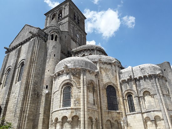 Église Saint-Pierre de Chauvigny